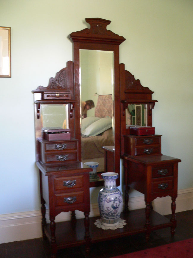 Excellent Edwardian Dressing Table 650 x 867 · 80 kB · jpeg